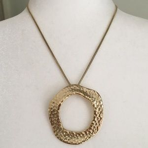 Vintage '90s Chunky Hammered Gold Tone Circle